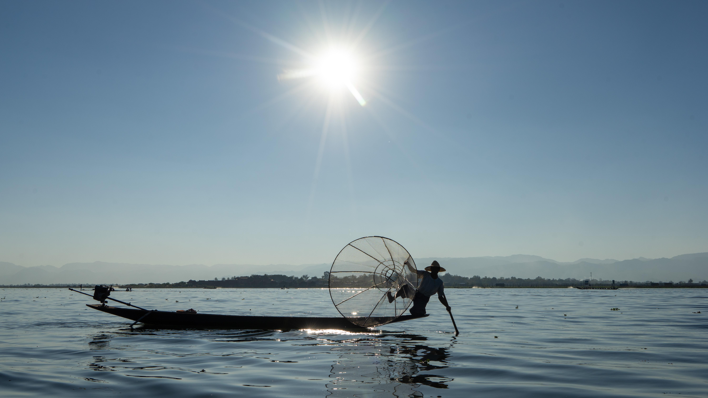 Inle Lake ∙ Myanmar ∙ Per Boot und Fahrrad einmal um den See